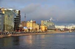 Modern arkitektur av St Petersburg Arkivbilder
