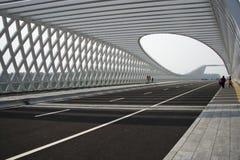 Modern arkitektur, bro Arkivbild