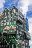 Modern arkitektur i Zaandam - Nederländerna royaltyfri foto
