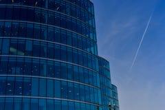 Modern arkitektur, kontorstorn royaltyfria bilder