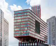 Modern arkitekturkontorsbyggnad i Rotterdam Royaltyfri Fotografi
