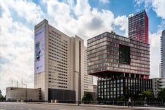 Modern arkitekturkontorsbyggnad i Rotterdam Royaltyfria Bilder