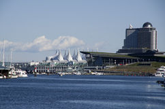 Modern arkitekturVancouver strand arkivfoton