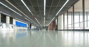Modern asiatisk flygplatsterminal arkivfoto