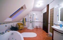 Modern badkamersbinnenland Stock Afbeelding