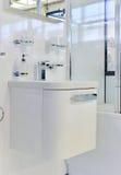 Modern badkamersdetail stock afbeeldingen