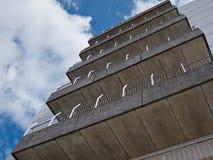 Modern bakgrund för arkitektur för lägenhetbyggnad Royaltyfri Fotografi
