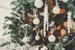 Modern bakgrund för garnering för julträd Arkivbilder