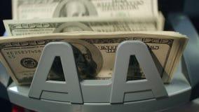 Modern bank automatisch materiaal om document munt te tellen Het Tellen van het geld stock footage
