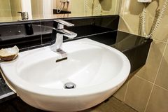 Modern bathroom with basin Royalty Free Stock Photography
