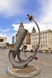 Modern beeldhouwwerk te de waterkant in Liverpool Royalty-vrije Stock Afbeelding