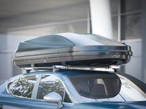 Modern bil för att resa med en takkugge framförande 3d Fotografering för Bildbyråer