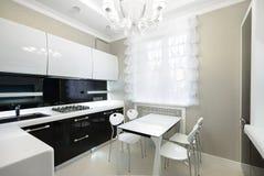 Modern binnenland. Keuken Stock Afbeeldingen
