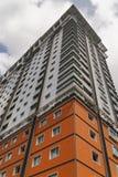 Modern bostads- byggnad arkivbilder
