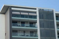 Modern bostads- byggnad royaltyfri foto