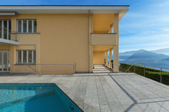 Modern building with pool Stock Photography