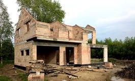 Modern bungalow under konstruktion Fotografering för Bildbyråer