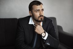 Free Modern Businessman. Confident Man In Suit. Stock Photography - 144734382