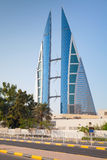 Modern byggnad av den Bahrain World Trade Center, Manama Arkivfoto