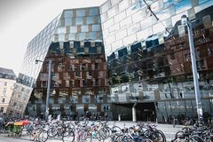 Modern byggnad av det Freiburg universitetarkivet royaltyfri foto