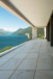 Modern byggnad, balkong Arkivfoton