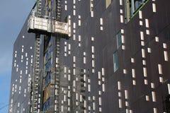 Modern byggnad för fasad under konstruktion Royaltyfri Fotografi
