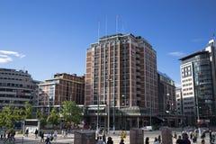 Modern byggnad i en mitt Oslo Arkivfoto
