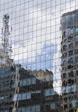 Modern byggnad med den glass fasaden Royaltyfri Bild