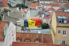 Modern byggnad på gammalt, Lissabon Royaltyfria Bilder