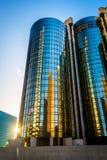 Modern byggnad på solnedgången, i i stadens centrum Los Angeles, Kalifornien Royaltyfri Fotografi