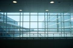 Modern byggnadsinterior Royaltyfri Foto