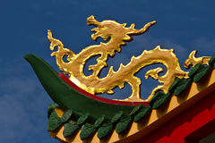 Modern Chinese dragon. Golden dragon statue is a modern cut details out, but still retain the original format and seamlessly integrated with skilled and skilled Royalty Free Stock Image