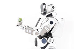 Modern cyborg i anslutning med naturen Arkivfoto