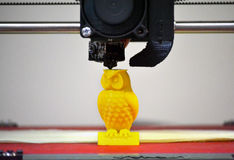 Modern 3D het cijferclose-up van de printerdruk Stock Afbeeldingen