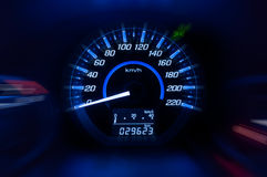 Modern Dashboard, Autosnelheidsmeter en teller met donkere wijze Royalty-vrije Stock Foto's