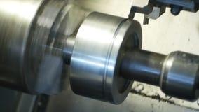 Modern del för metall för plugghästar för numerisk kontroll för maskindator i fabrik, tillverkning, bransch lager videofilmer