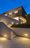 Modern design för arkitektur, hus som är utomhus- Royaltyfri Fotografi