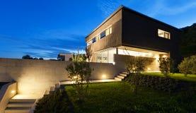 Modern design för arkitektur, hus som är utomhus- Royaltyfria Bilder