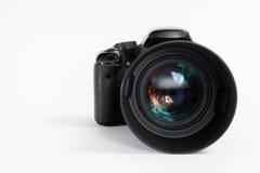 Modern digital fotokamera med fotolinsen för mm 85 royaltyfri foto