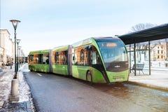Modern dubblett artikulerade den bussVan Hool 324H Exequicity 24 blanden royaltyfria foton