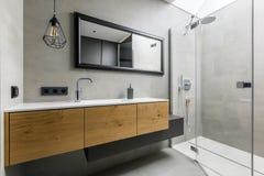 modern dusch för badrum royaltyfria foton