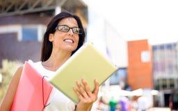 Modern dynamisk affärskvinna för entreprenör arkivbild