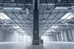 Modern empty storehouse Royalty Free Stock Photos