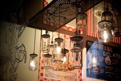 Modern en eenvoudig koffiebinnenland Royalty-vrije Stock Foto's