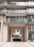 Modern flatgebouw Stock Afbeelding