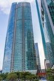Modern futuristisk byggnader och skyscaper Arkivfoto