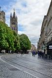 Modern gata i den forntida franska staden Bordeaux Arkivbilder
