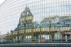 Modern glashandelscentrum stock afbeelding