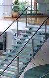 Modern glass trappuppgång Royaltyfri Fotografi