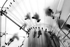 Modern Glass trappuppgång Arkivbilder
